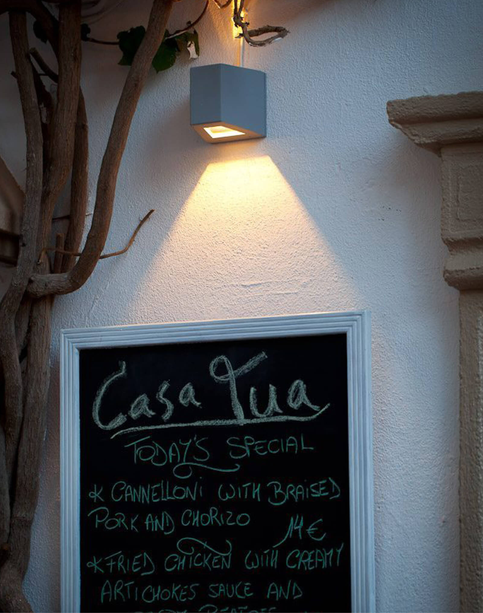 Casa Tua Restaurant menu board