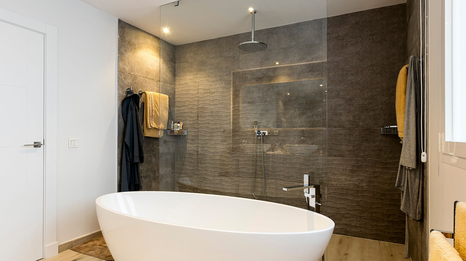 Modern Family Home bath