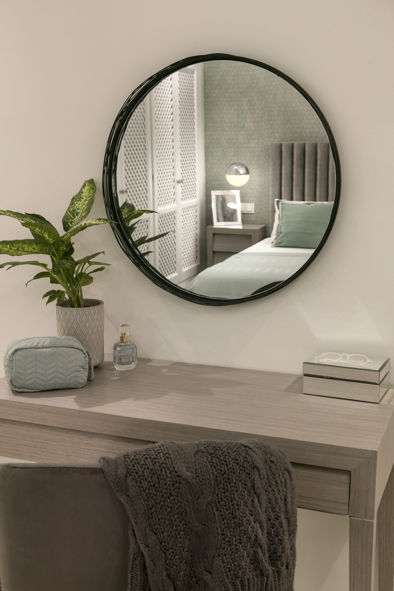 Modern Andalusian Villa Dressing table