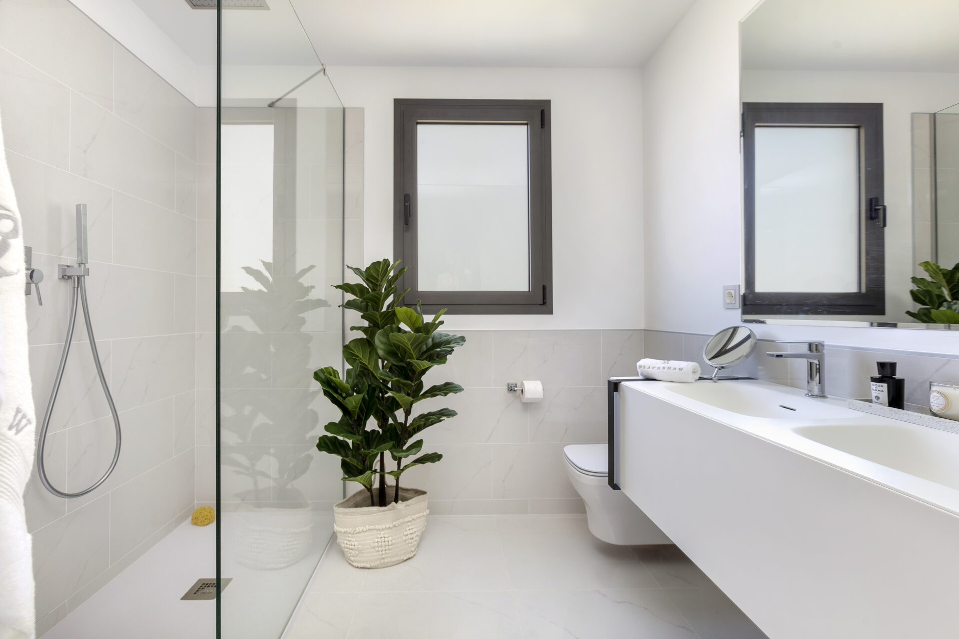 Luxury Penthouse Apartment En-Suite Bathroom