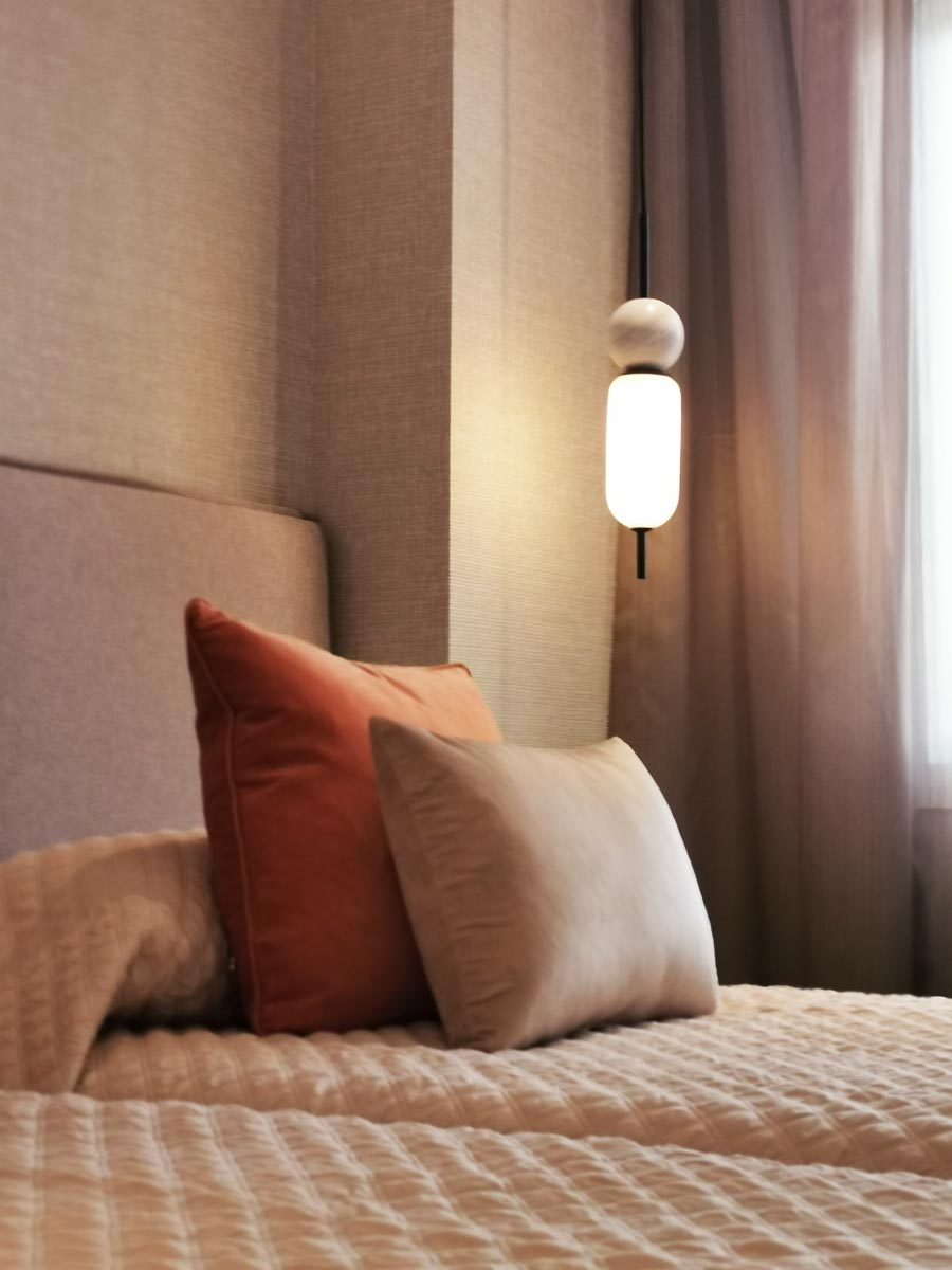 Scandinavain-bedroom-lamp